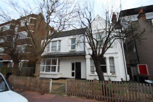 1 Bedroom Apartment Flat for sale in Clock House Road Beckenham Beckenham BR3