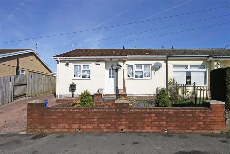2 Bedrooms Semi Detached Bungalow for sale in Fairview, Hirwaun, Aberdare