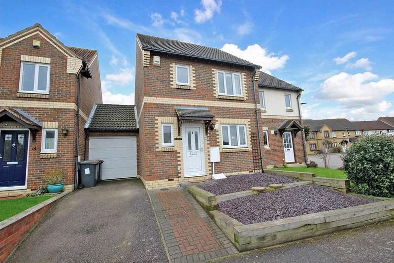 2 Bedrooms Semi Detached House for sale in Clover Avenue, Riverfield, Bedford