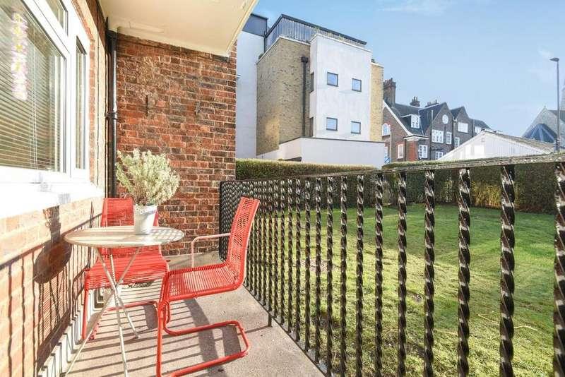 1 Bedroom Flat for sale in St. John's Hill, Battersea