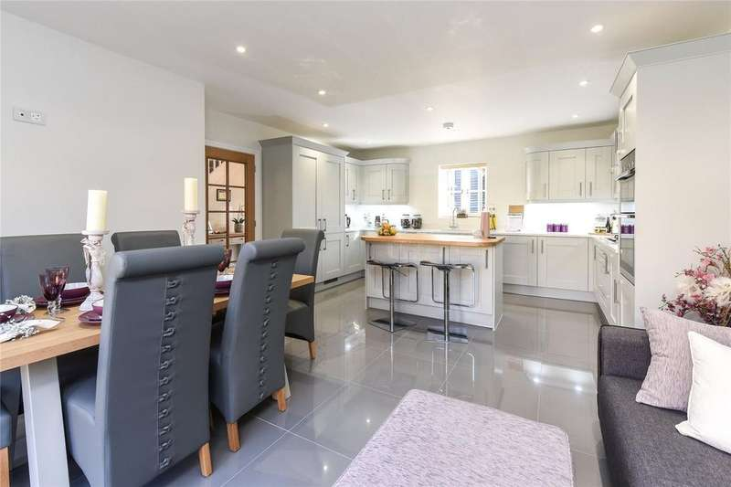 4 Bedrooms Semi Detached House for sale in Tanners Reach, Sheet, Petersfield, Hants
