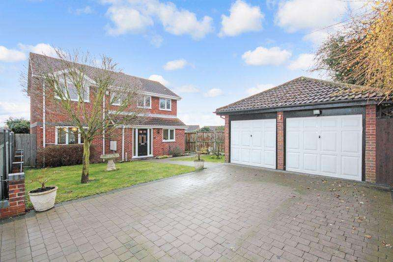 4 Bedrooms Detached House for sale in Selah Drive, Swanley, BR8