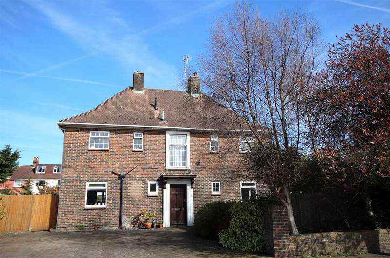 5 Bedrooms Detached House for sale in Forest Road, Broadwater