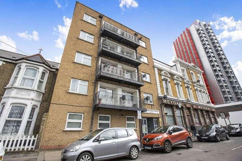 1 Bedroom Flat for sale in Oak Crescent, London, E16