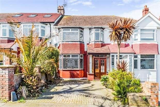 3 Bedrooms Terraced House for sale in Hawthorne Avenue, Gillingham, Kent