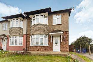 3 Bedrooms Semi Detached House for sale in Spring Park Road, Shirley, Croydon, Surrey