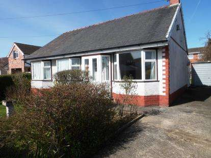 1 Bedroom Bungalow for sale in Oakfield Road, Chester, Cheshire, CH1