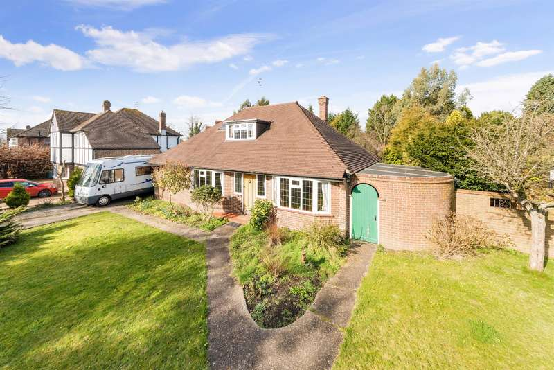 3 Bedrooms Detached House for sale in London Road South, Merstham, RH1 3DT
