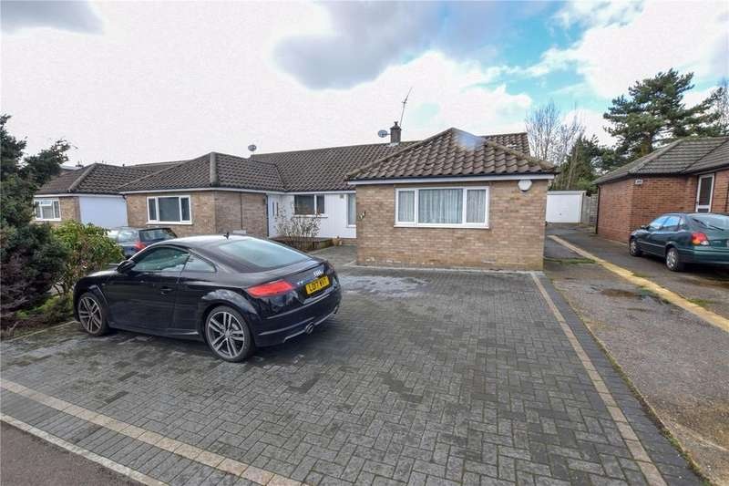 3 Bedrooms Semi Detached Bungalow for sale in The Mead, Watford, Hertfordshire, WD19