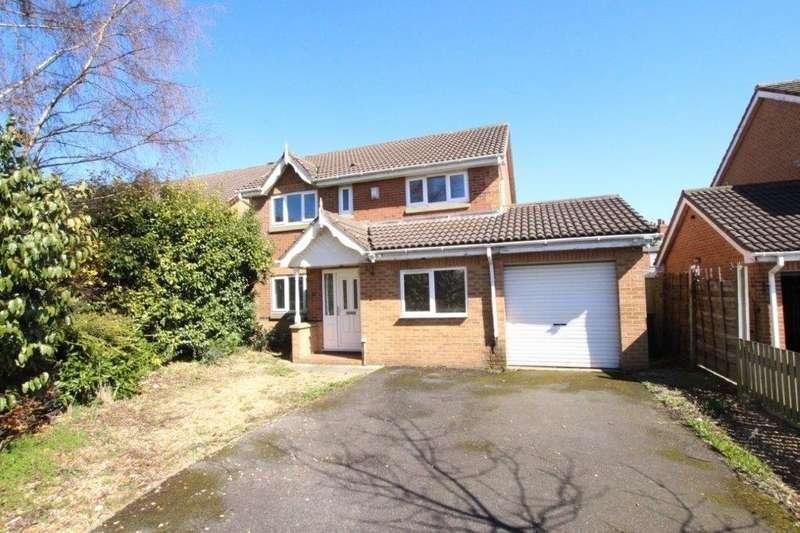 4 Bedrooms Detached House for sale in Crown Flatt Way, DEWSBURY, West Yorkshire