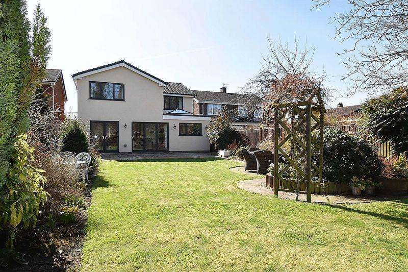 4 Bedrooms Detached House for sale in Rowley Way, Knutsford