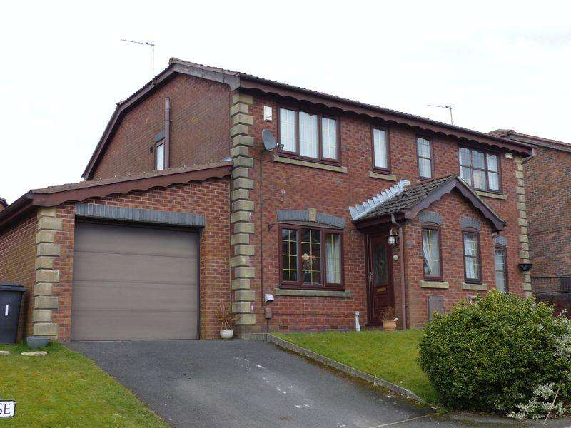 3 Bedrooms Semi Detached House for sale in Cranleigh Close, Waterhead