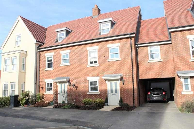 3 Bedrooms Terraced House for sale in Tavener Drive, Biggleswade, SG18