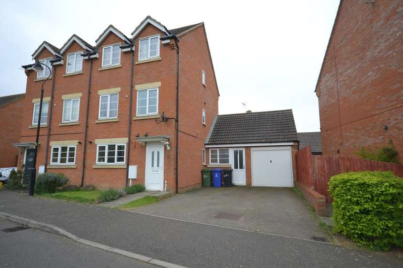 4 Bedrooms Semi Detached House for rent in Rickyard Walk, Grange Park, Northampton, NN4