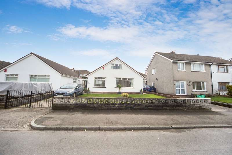 4 Bedrooms Detached Bungalow for sale in Brynau Road, Caerphilly