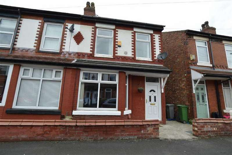 2 Bedrooms Semi Detached House for sale in Link Avenue, Manchester