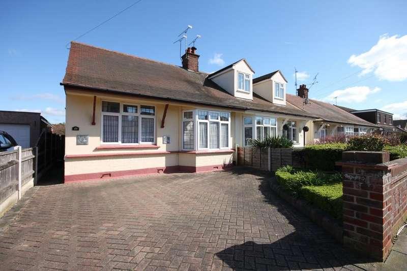 2 Bedrooms Semi Detached Bungalow for sale in Carlton Avenue, Westcliff-on-Sea