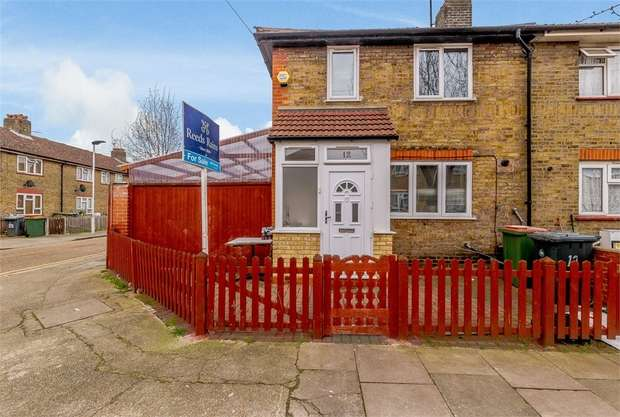 3 Bedrooms End Of Terrace House for sale in St Clair Road, London
