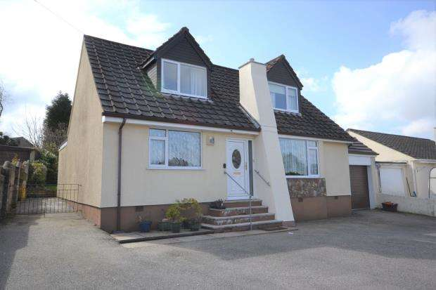 3 Bedrooms Link Detached House for sale in Tavistock Road, Callington, Cornwall