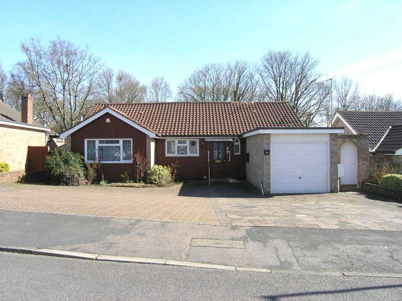 3 Bedrooms Bungalow for sale in Wren Crescent, Bushey