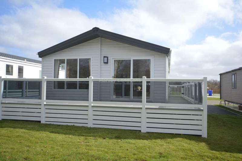 3 Bedrooms Lodge Character Property for sale in Carlton Meres Holiday Park, Rendham Road, Carlton, Saxmundham