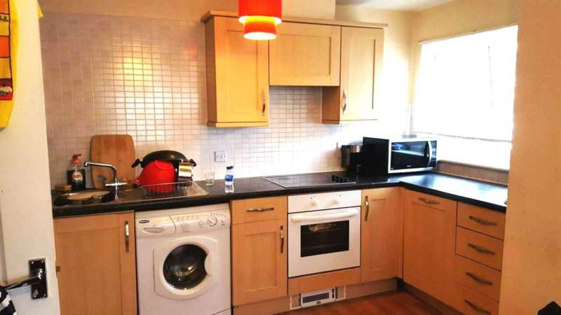 2 Bedrooms Flat for rent in Hounslow