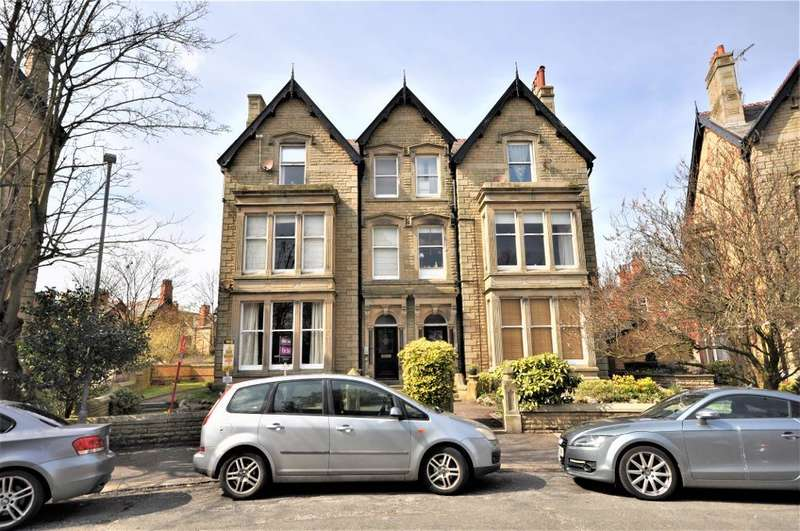 1 Bedroom Flat for sale in St Georges Square, St Annes, Lytham St Annes, Lancashire, FY8 2NY