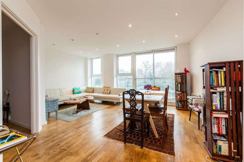 2 Bedrooms Flat for sale in Palmers Road, Bethnal Green, E2