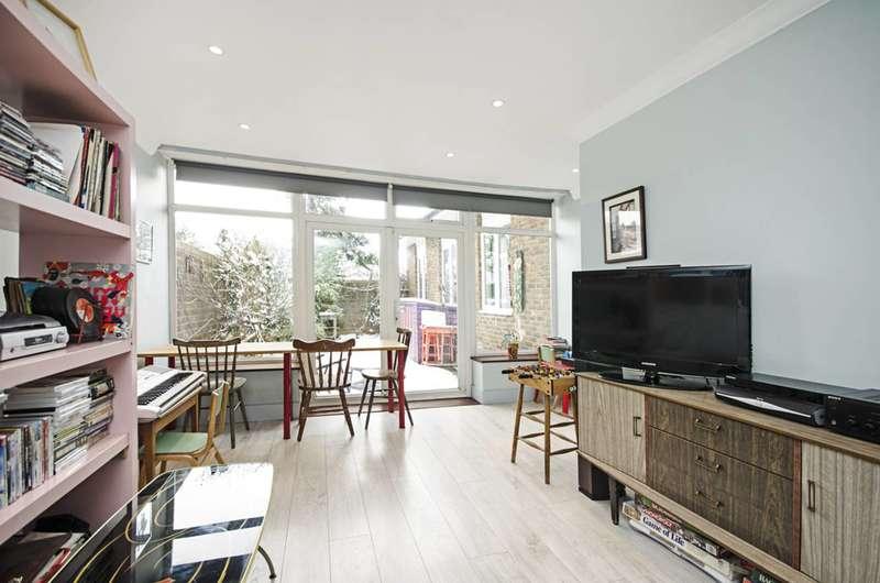 4 Bedrooms Bungalow for sale in Inglesham Walk, Hackney, E9