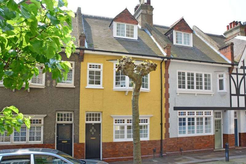 3 Bedrooms Terraced House for sale in Old Woolwich Road, Greenwich, London, SE10