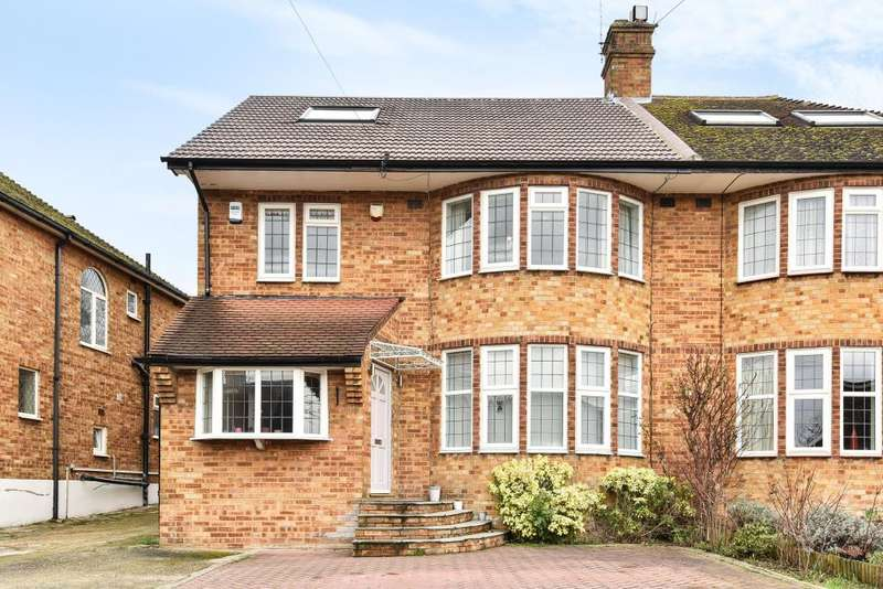 5 Bedrooms House for sale in Michleham Down, London, N12