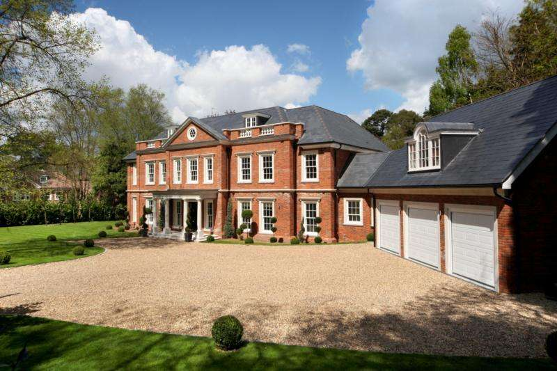 6 Bedrooms Detached House for rent in Regents Walk, South Ascot, SL5