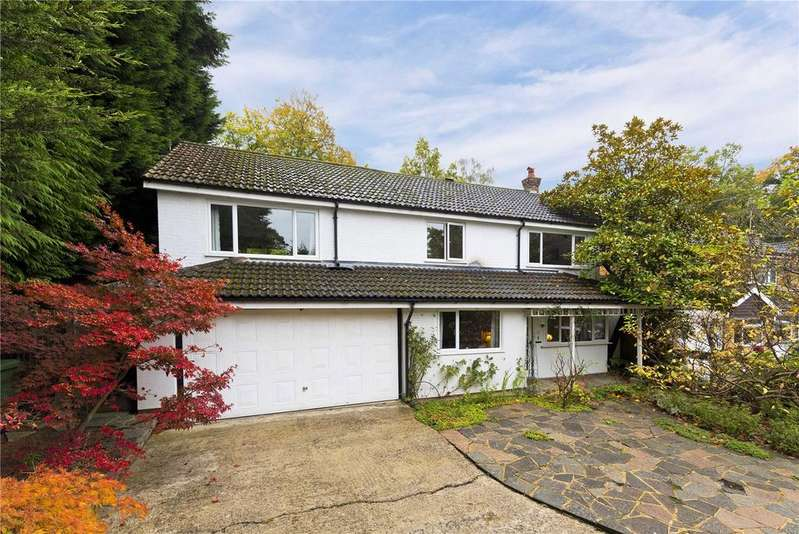 4 Bedrooms Detached House for sale in Bramble Bank, Frimley Green, Surrey, GU16