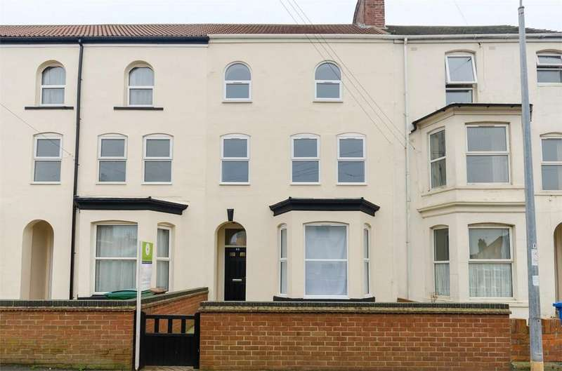 5 Bedrooms Town House for sale in Princes Avenue, WITHERNSEA, East Riding of Yorkshire