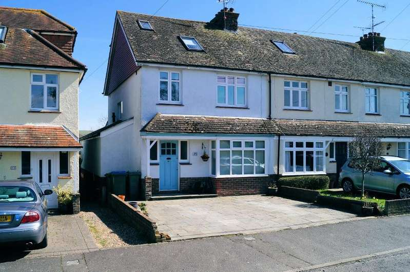 4 Bedrooms End Of Terrace House for sale in Kings Stone Avenue, Steyning, West Sussex, BN44 3FJ