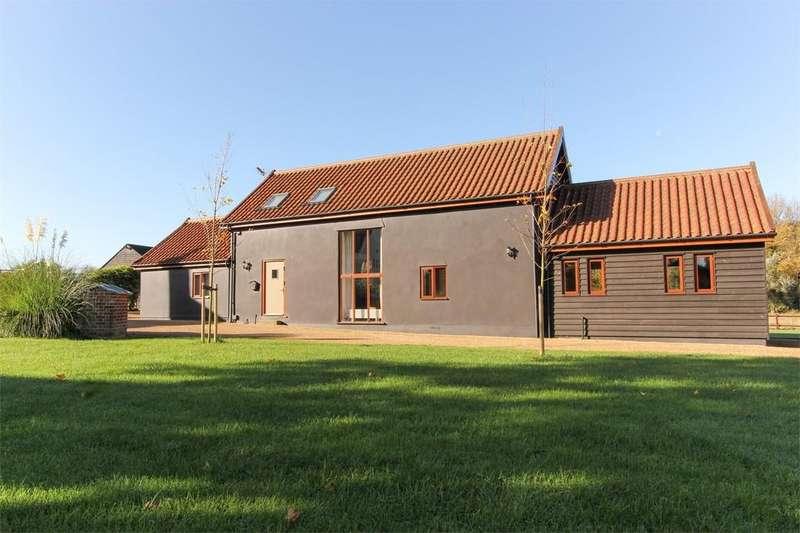 2 Bedrooms Barn Conversion Character Property for rent in Fen Road, Old Buckenham