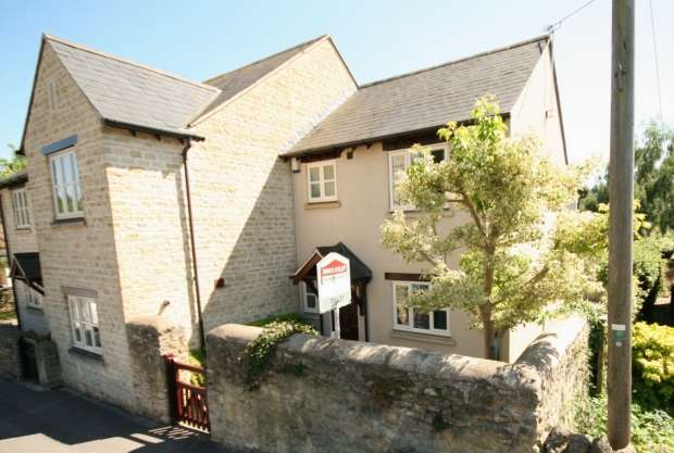 2 Bedrooms End Of Terrace House for rent in Church Road Wheatley Oxford