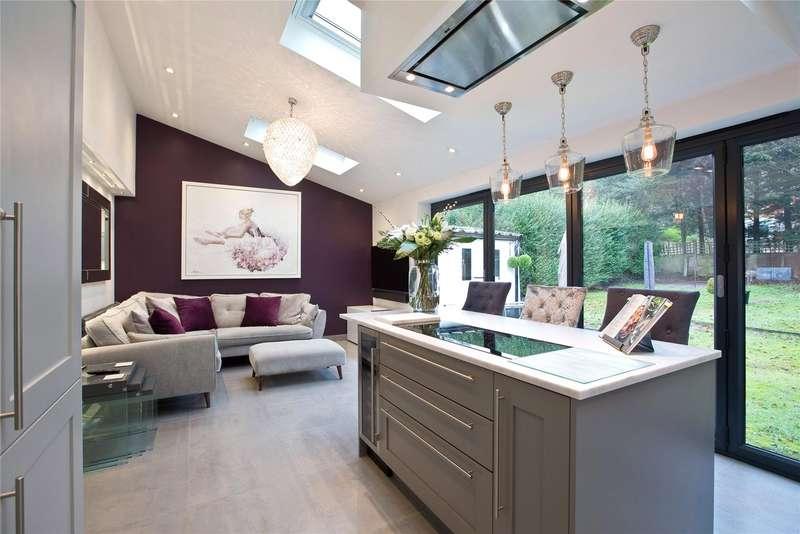 3 Bedrooms Semi Detached House for sale in Lower Broadmoor Road, Crowthorne, Berkshire, RG45