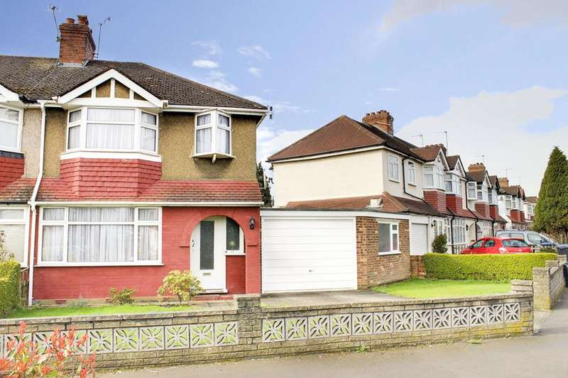 3 Bedrooms Terraced House for sale in Mapleton Crescent, Enfield, London, EN3