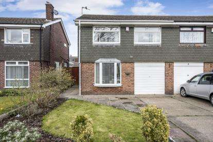 3 Bedrooms Semi Detached House for sale in Easedale Drive, Southport, Lancashire, Uk, PR8