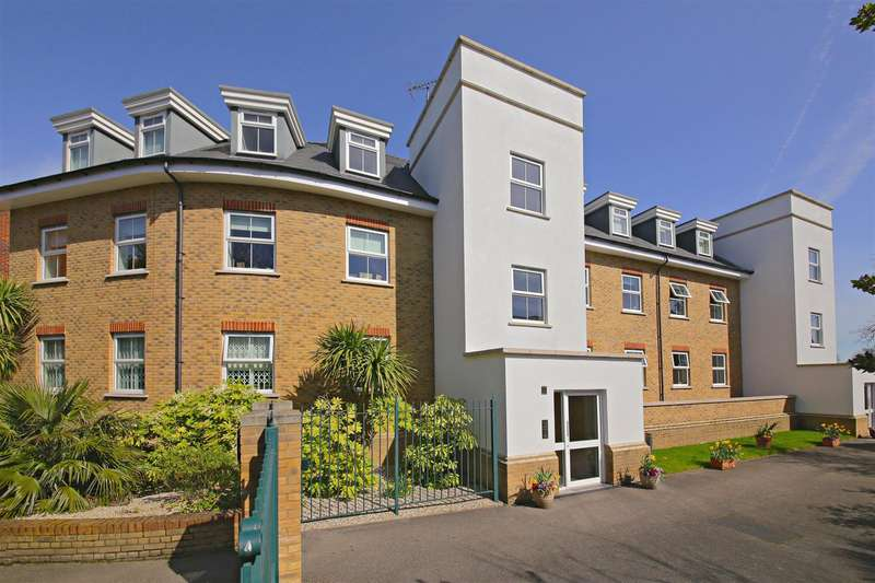 2 Bedrooms Flat for sale in Village Road, Enfield, EN1