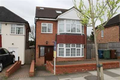 4 Bedrooms Detached House for sale in Long Elmes, Harrow Weald