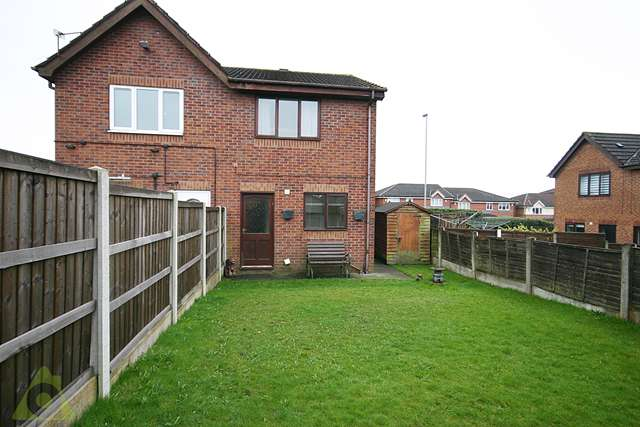 2 Bedrooms Semi Detached House for sale in Ribble Drive, Whitefield, M45