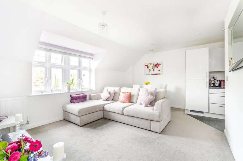 1 Bedroom Flat for sale in Mackintosh Street, Bromley, BR2