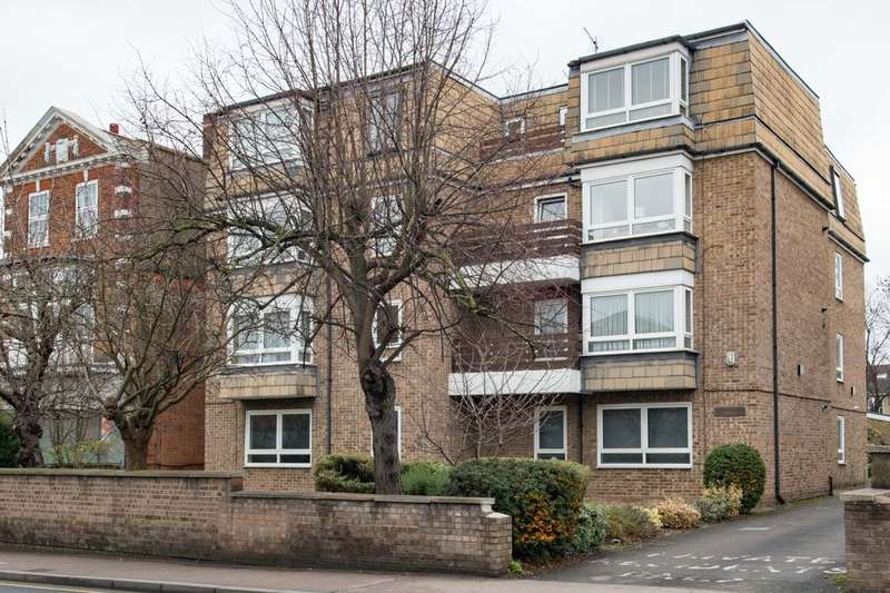 3 Bedrooms Flat for sale in Station Road, Sidcup, DA15