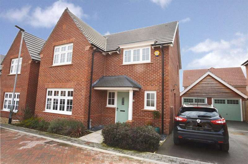 4 Bedrooms Detached House for sale in Eton Walk, Wakefield, West Yorkshire