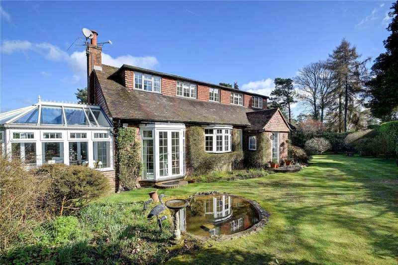 3 Bedrooms Detached House for sale in Linkside East, Hindhead, Surrey