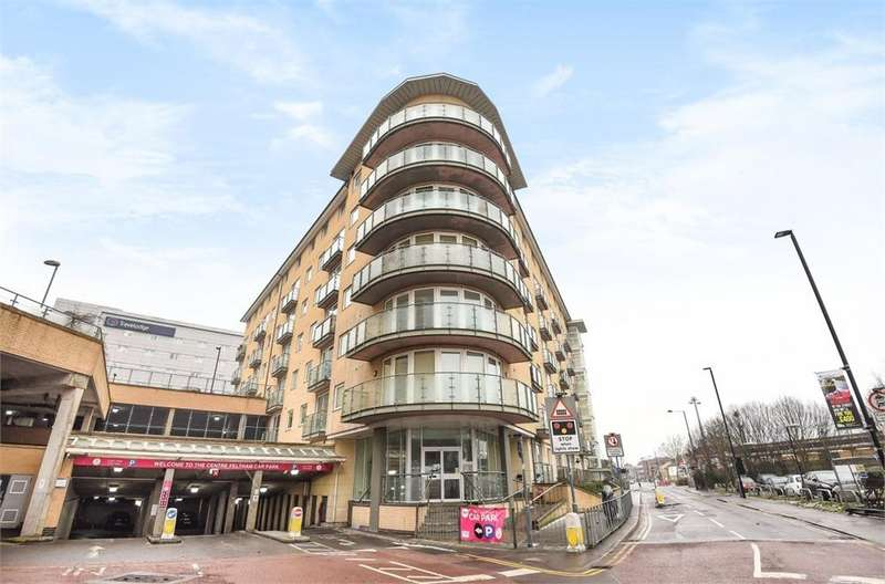 1 Bedroom Flat for sale in Bergenia House, Bedfont Lane, Feltham, Greater London