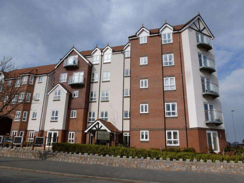 2 Bedrooms Penthouse Flat for sale in Abbey Road, Colwyn Bay