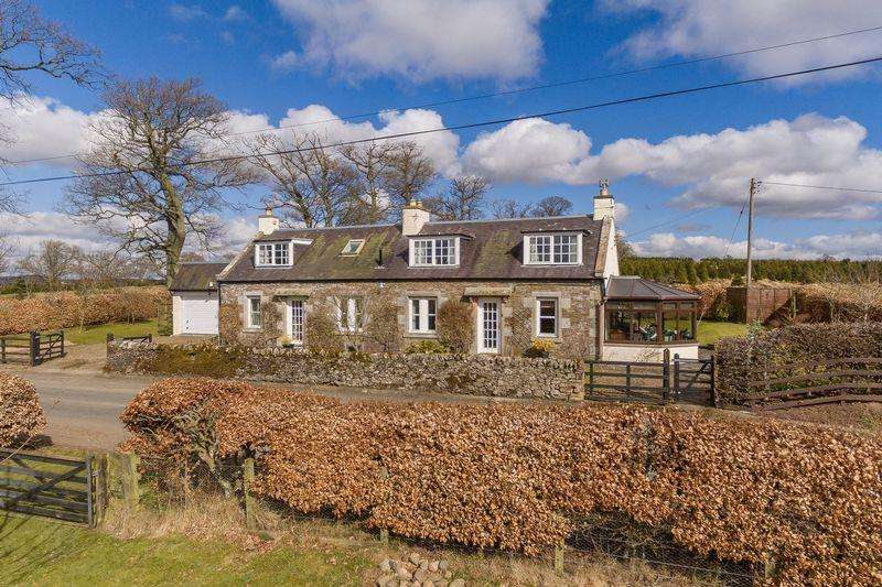 3 Bedrooms Cottage House for sale in Greenhouse Cottage, Lilliesleaf, Melrose